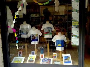 Esito del aboratorio di pittura e narrazione per bambini Nel Giardino di Nonna Ina diretto da Baye Gaye